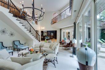 Windy Hill - Living Room