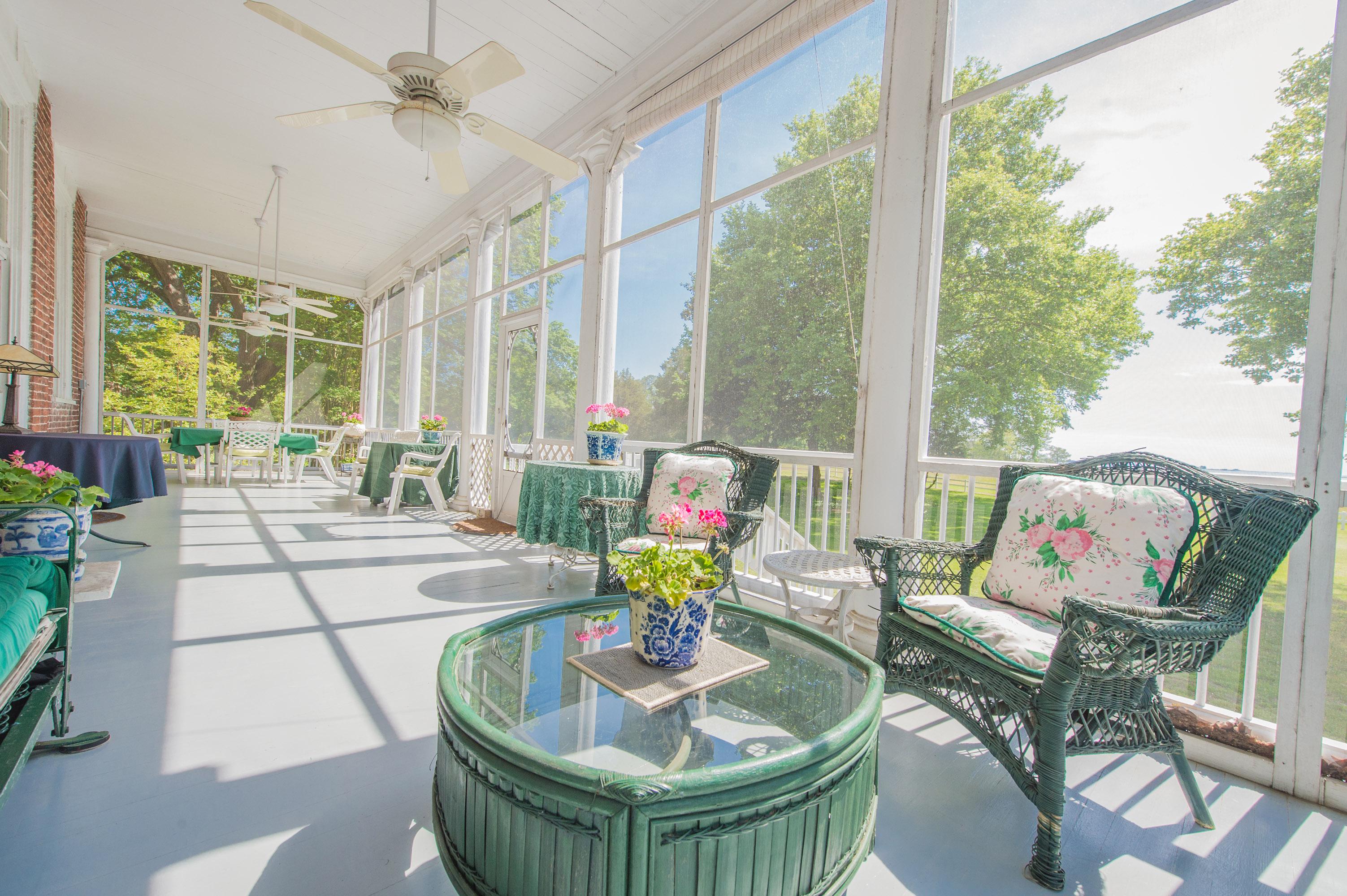 Clifton - Relaxing Porches