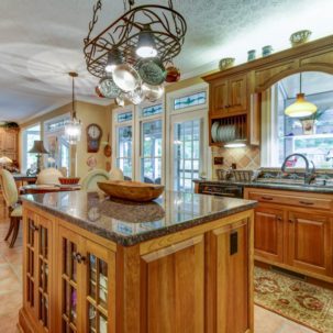 1579 Irving Road - Kitchen