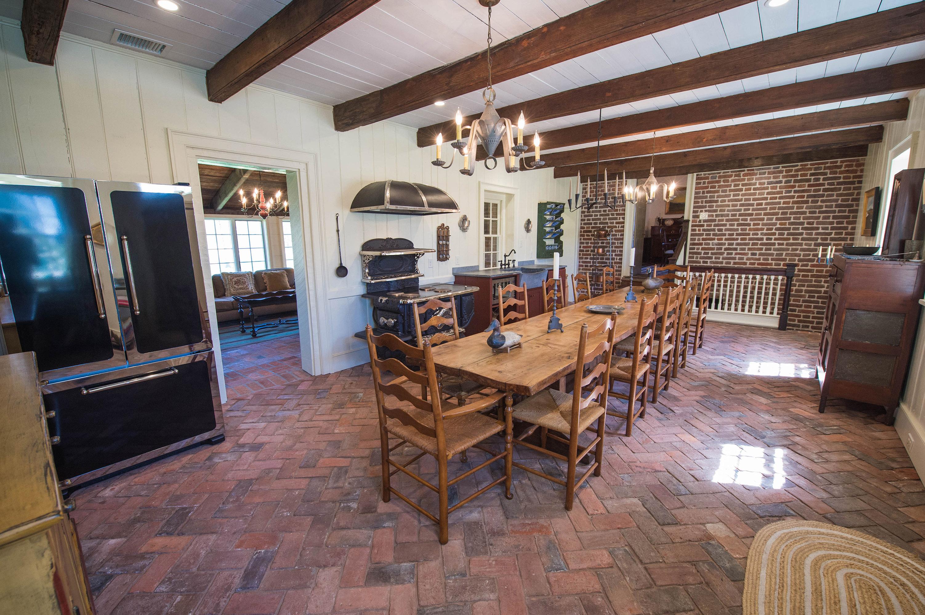 Kingston Hall Large Kitchen