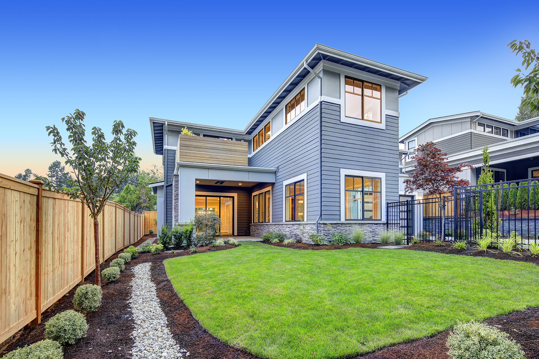 Tips for Staging Your Home's Exterior in Summer