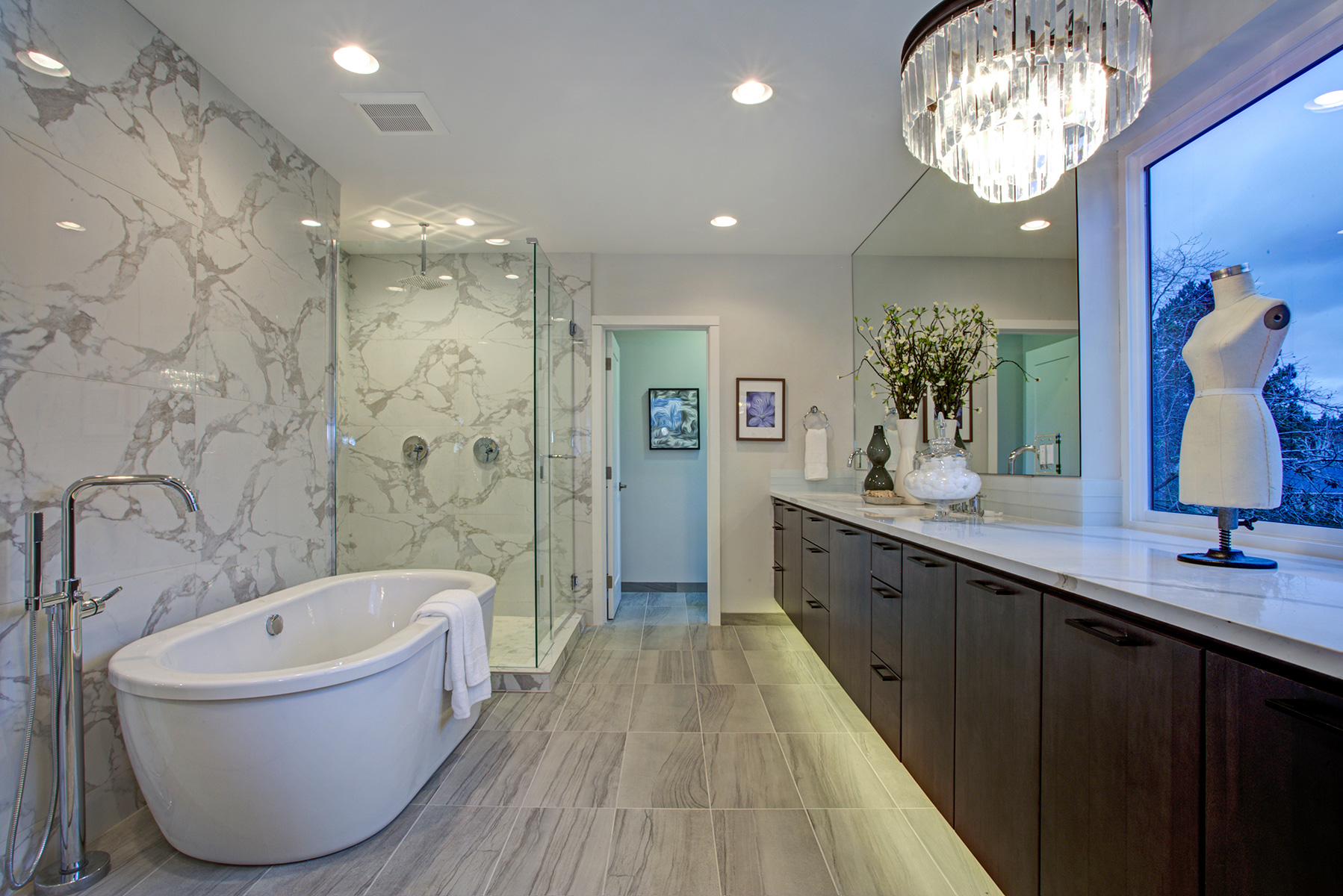 Design trends bubbling up in new bathrooms - Pictures of bathroom designs ...